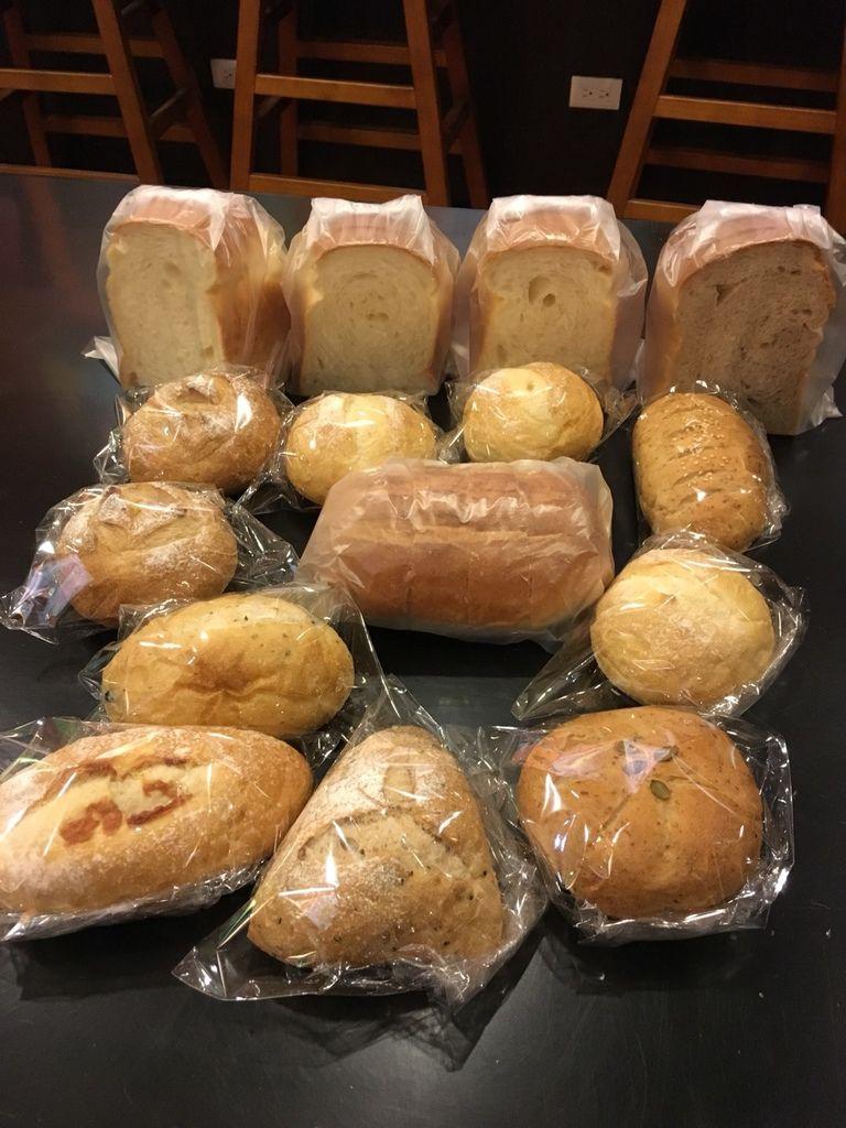 12.8定番歐式麵包坊2.jpg