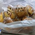 12.23淺草麵包2大袋.jpg