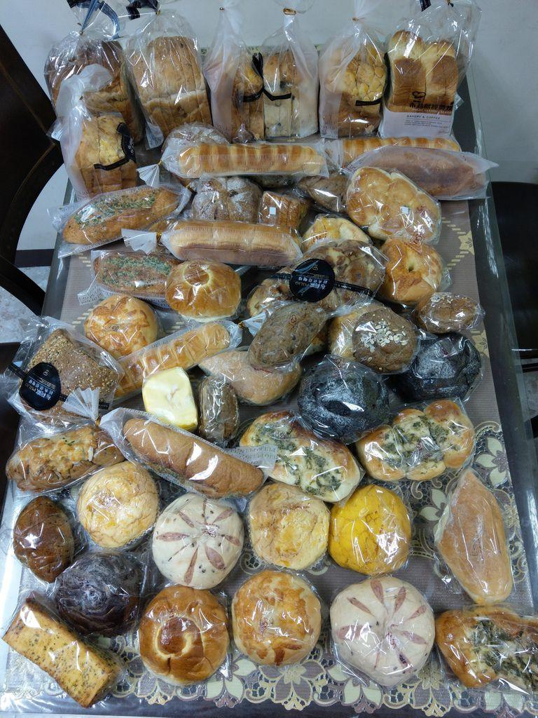1.3布莉歐捐贈麵包一批.jpg