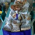 4.6羅娃贈麵包五大袋.jpg