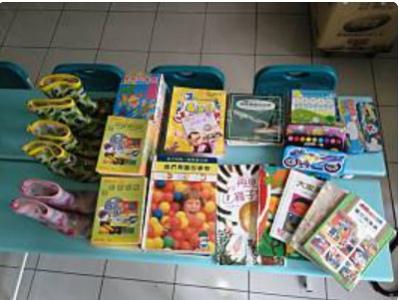 9.12蔡湘嵐小姐捐贈童書用品一批.jpg