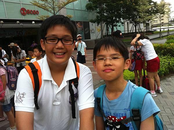 兒子與小湯.BMP