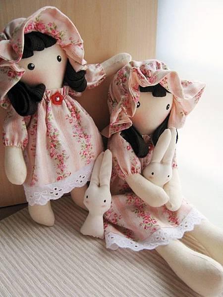 7+8號客訂粉紅玫瑰姐妹鄉村娃娃(8).JPG