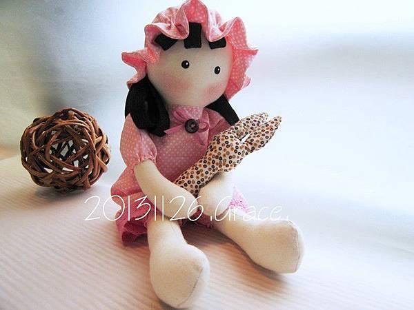 11號客訂粉紅水玉鄉村娃娃 (2)