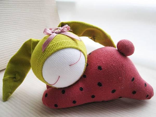 114號襪娃草莓兔 (4)