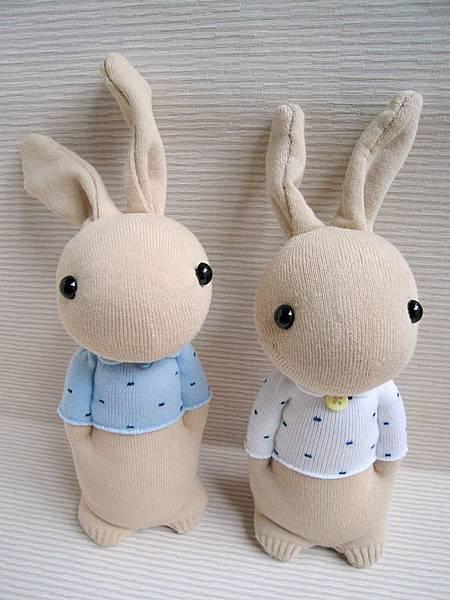 129+130號襪娃暖男兔