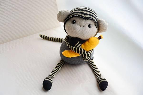 襪子娃娃160號之小灰猴 (4)