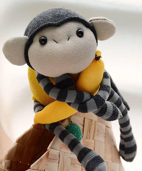 襪子娃娃163號黃芥末灰紋小猴 (4)