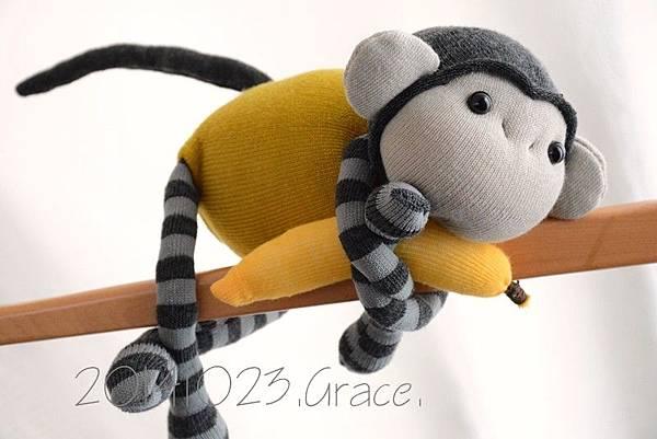 襪子娃娃163號黃芥末灰紋小猴 (2)1