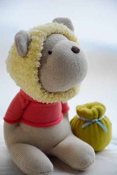 襪子娃娃182號之我不是維尼熊 (1)