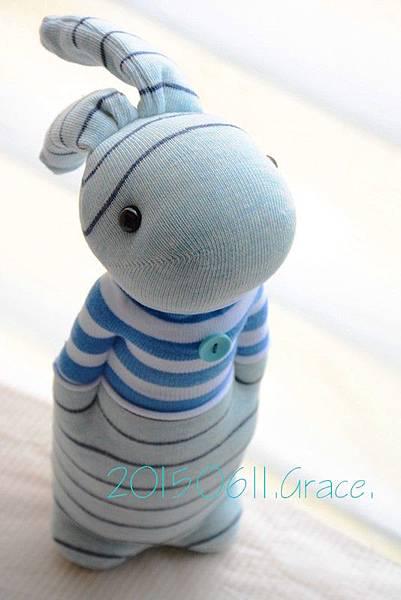 襪子娃娃198號藍白T條紋兔