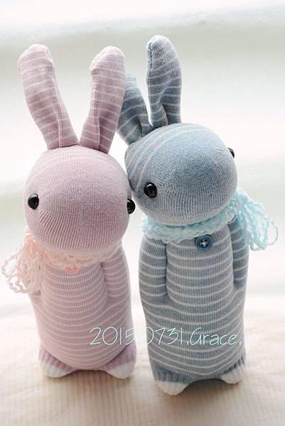 襪子娃娃216號灰藍條紋兔+217號灰粉條紋兔1