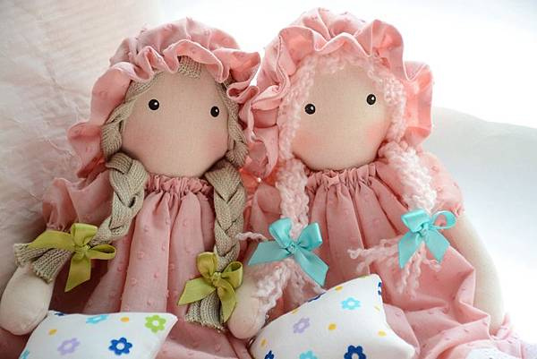 38號粉紅捲髮百麗兒+39號粉紅百麗兒