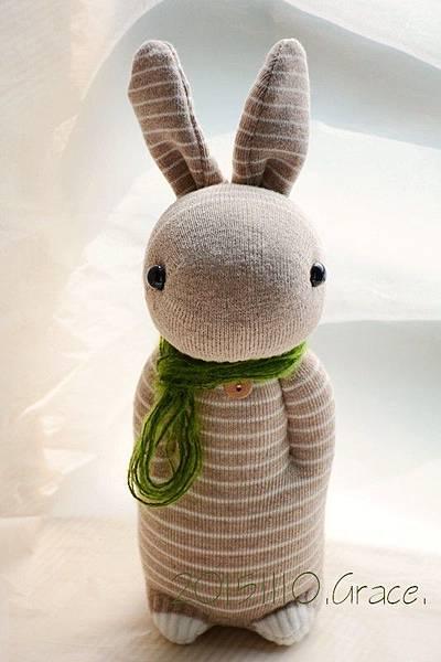 襪子娃娃235號卡其條紋兔 (1)