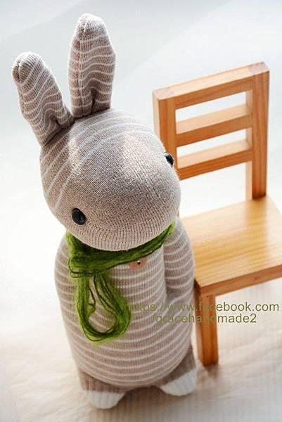 襪子娃娃244號卡其條紋兔 (2)