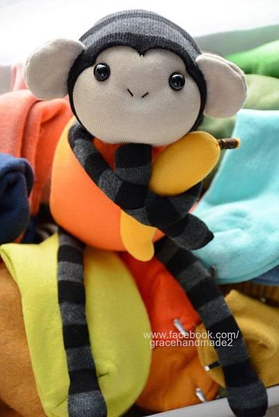 襪子娃娃號小橘猴 (1)