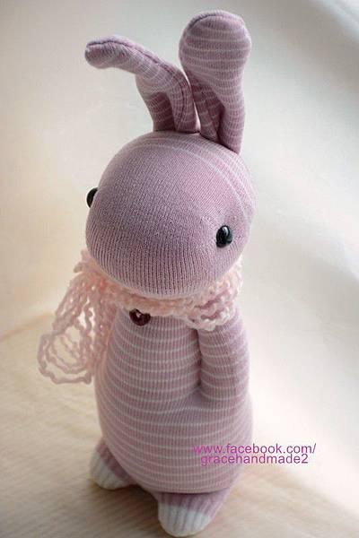 襪子娃娃272號粉紅條紋兔