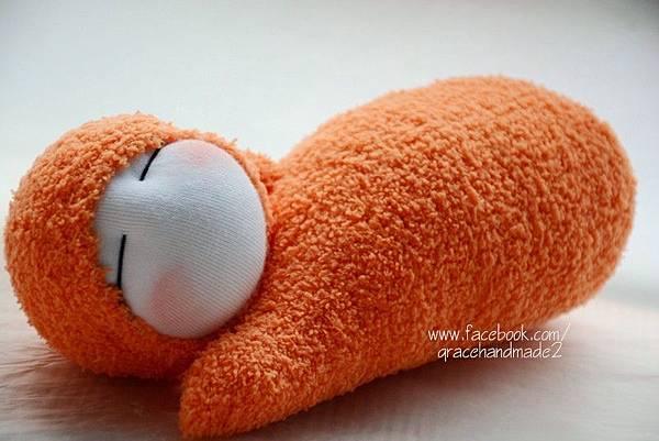 襪子娃娃299號亮橘貝比迷你午安枕 (2)
