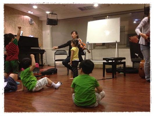 ﹝3Y9M3W3D﹞暢遊音樂王國 第一堂『小提琴與大提琴』@音樂理想國 (36)