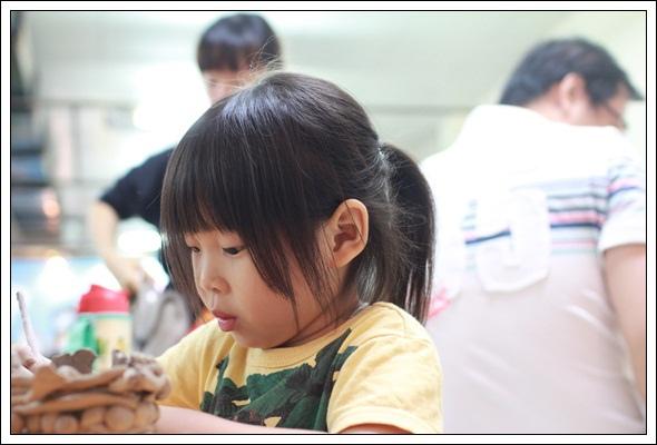 安娜愛畫畫✿‿✿有好的老師陪伴,孩子潛力真的會超乎想像~~ (12).JPG