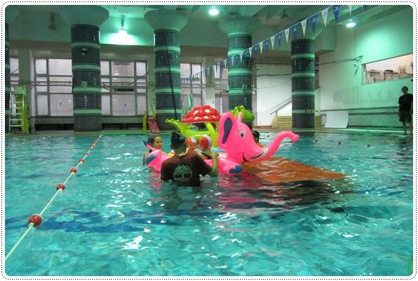 迎接夏天的來臨◎台北市兒童游泳教學&游泳池大評比 (8)