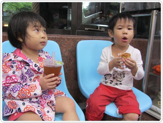 迎接夏天的來臨◎台北市兒童游泳教學&游泳池大評比 (14)