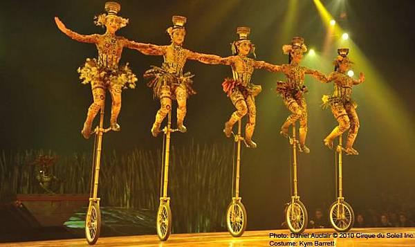 cirque-du-soleil-totem-1-EN