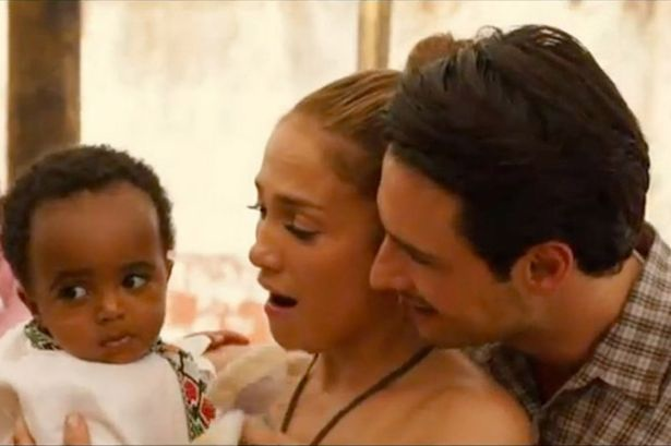 Jennifer Lopez and Rodrigo Santoro with Sammy in the film.jpg