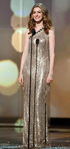 Anne-Hathaway-Oscar-dress3_241.jpg