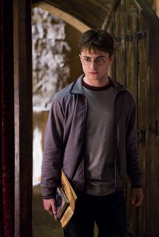 harry-potter-daniel-radcliffe-half-blood-prince.jpg