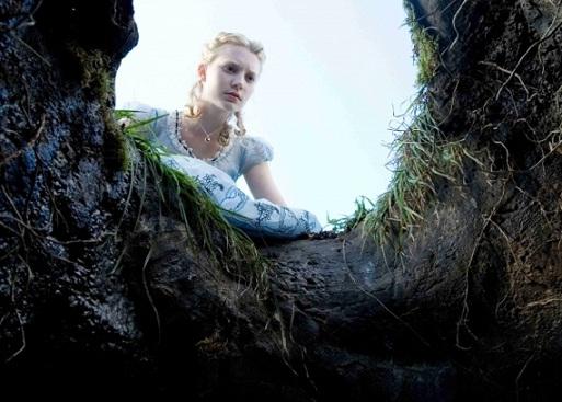 Alice-in-Wonderland-Alice-Looks-Down-The-Rabbit-Hole-24-2-10-kc.jpg