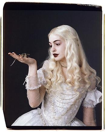 alice-in-wonderland-white-queen.jpg