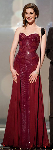 Anne-Hathaway-Oscar-dress4_183.jpg