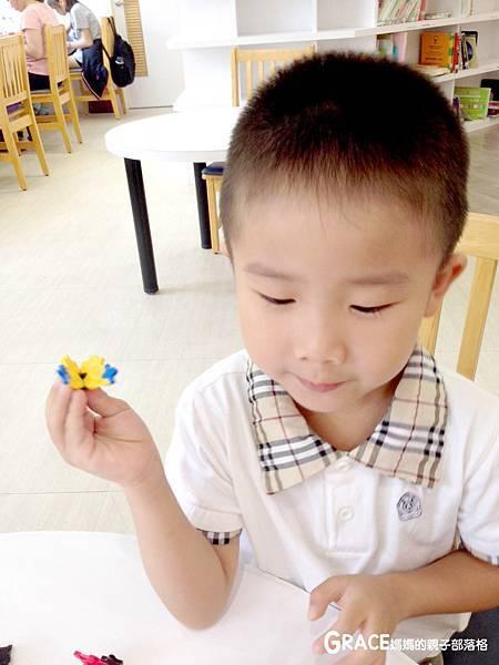 積木推薦分享-日本LAQ創意積木遊戲書1-grace媽媽 (2).jpeg