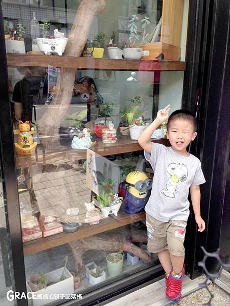 台南景點-安平老街-風之谷盆栽-親子DIY-免費打彈珠-新野家-grace媽媽 (42).jpeg