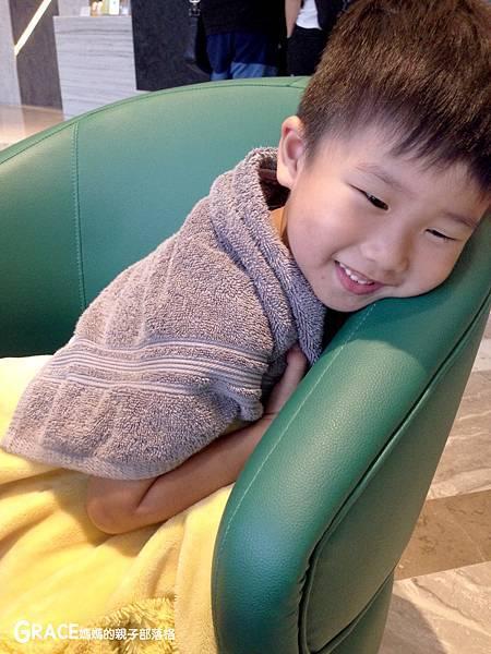 糖果姐姐說故事APP-免費7天試用試聽-安裝教學-睡前聽故事學歷史中文科學-玩遊戲聽寓言故事書-兒童教材教具下載-比youtube好可連撥-學齡前育兒好物-宇宙光全人關懷機-grace媽媽分享推薦 (1).jpeg