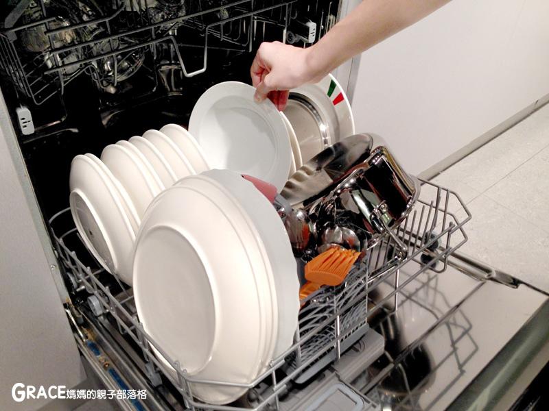 義大利進口best貝斯特時尚廚電-台北廚房家電-實驗廚房體驗-崁入式及獨立式洗碗機-快洗27分鐘省70%水量-可以洗鍋子烤盤-做家事利器分享-grace媽媽 (45).jpg