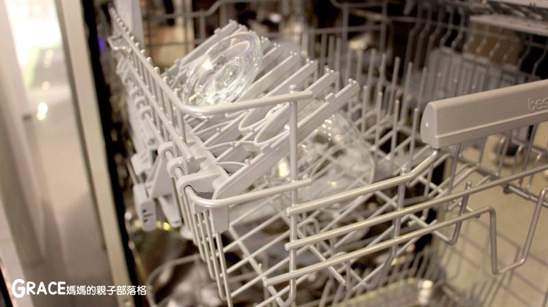 義大利進口best貝斯特時尚廚電-台北廚房家電-實驗廚房體驗-崁入式及獨立式洗碗機-快洗27分鐘省70%水量-可以洗鍋子烤盤-做家事利器分享-grace媽媽 (8).jpg