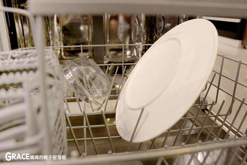 義大利進口best貝斯特時尚廚電-台北廚房家電-實驗廚房體驗-崁入式及獨立式洗碗機-快洗27分鐘省70%水量-可以洗鍋子烤盤-做家事利器分享-grace媽媽 (11).jpg