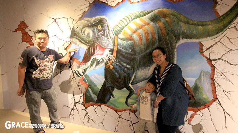 宜蘭新景點-畫框博物館-兒童版藝術史-美育學習-油畫如何辨識-顛倒畫框-IG打卡紀念照地點-雨天怎麼玩-數字油畫-5種DIY-手指動一動-grace媽媽 (52).jpg