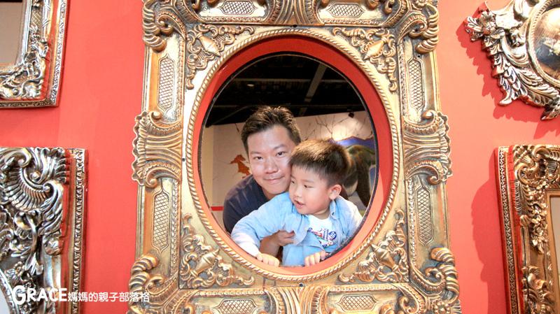 宜蘭新景點-畫框博物館-兒童版藝術史-美育學習-油畫如何辨識-顛倒畫框-IG打卡紀念照地點-雨天怎麼玩-數字油畫-5種DIY-手指動一動-grace媽媽 (48).jpg