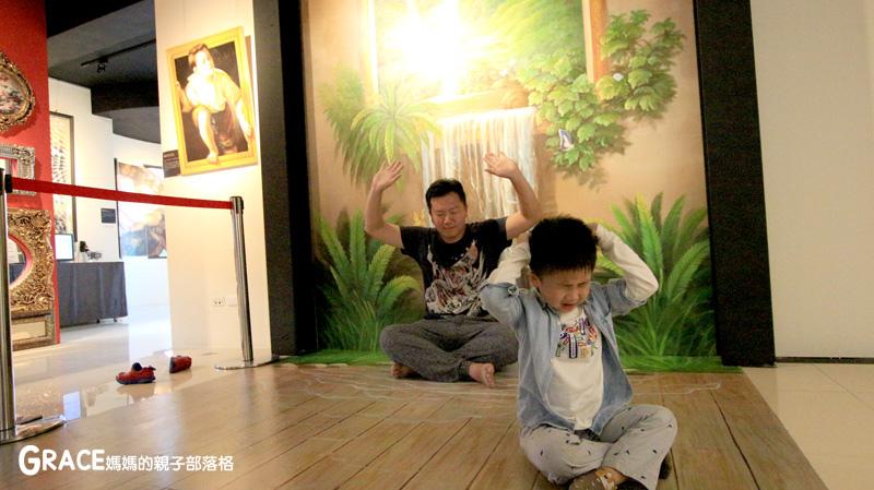 宜蘭新景點-畫框博物館-兒童版藝術史-美育學習-油畫如何辨識-顛倒畫框-IG打卡紀念照地點-雨天怎麼玩-數字油畫-5種DIY-手指動一動-grace媽媽 (55).jpg