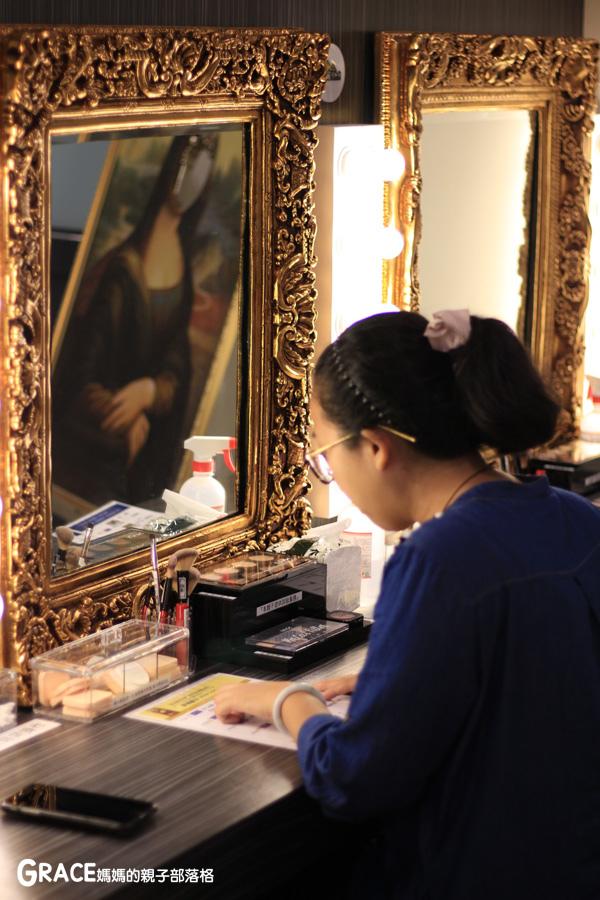 宜蘭新景點-畫框博物館-兒童版藝術史-美育學習-油畫如何辨識-顛倒畫框-IG打卡紀念照地點-雨天怎麼玩-數字油畫-5種DIY-手指動一動-grace媽媽 (63).jpg