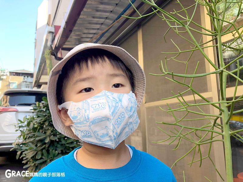 快潔適TAYO系列-不織布一次性的4層防護口罩-5到10歲使用-品質很好-質地細緻-騎機車必備品-grace媽媽 (15).jpg