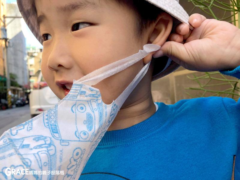 快潔適TAYO系列-不織布一次性的4層防護口罩-5到10歲使用-品質很好-質地細緻-騎機車必備品-grace媽媽 (9).jpg