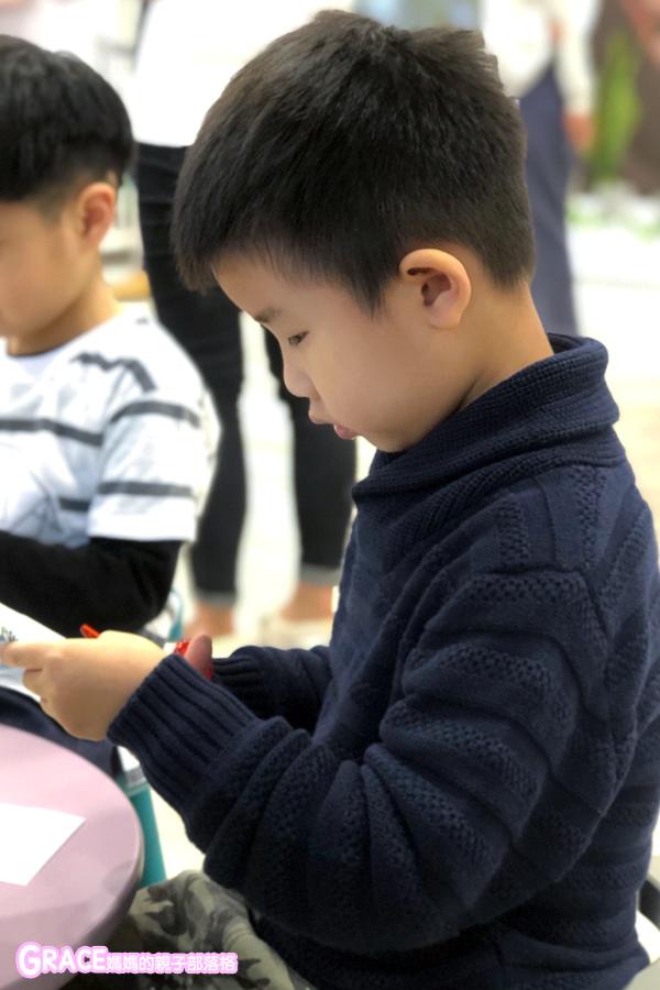 童裝品牌推薦麗嬰房-SIMPLE系列-可愛日系風格簡單舒適日本童裝-女童裝男童裝-媽媽包親子裝-娃娃床-麗嬰房生活體驗館-親子部落客grace媽媽的親子部落格 (4).jpg