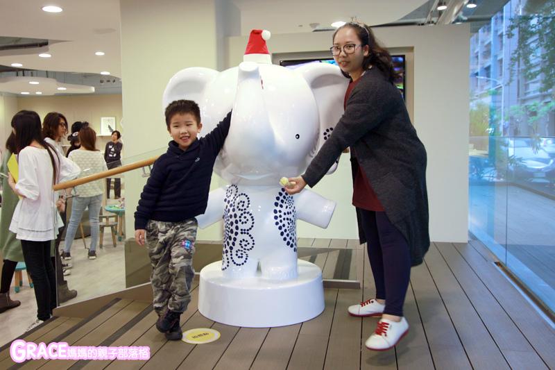 童裝品牌推薦麗嬰房-SIMPLE系列-可愛日系風格簡單舒適日本童裝-女童裝男童裝-媽媽包親子裝-娃娃床-麗嬰房生活體驗館-親子部落客grace媽媽的親子部落格 (5).jpg