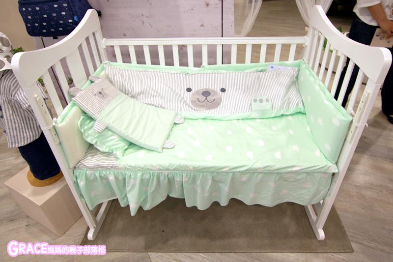 童裝品牌推薦麗嬰房-SIMPLE系列-可愛日系風格簡單舒適日本童裝-女童裝男童裝-媽媽包親子裝-娃娃床-麗嬰房生活體驗館-親子部落客grace媽媽的親子部落格 (7).jpg