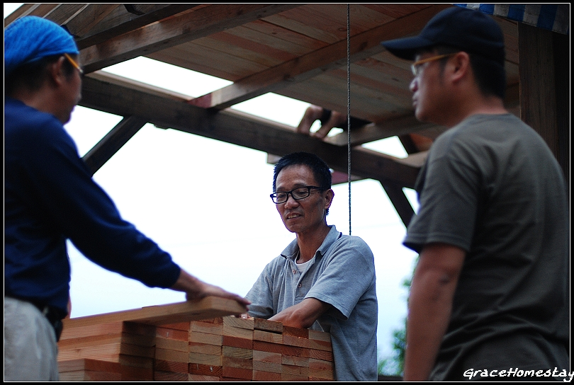 K先生木作ING~打工換食第二天~木作~屋頂~