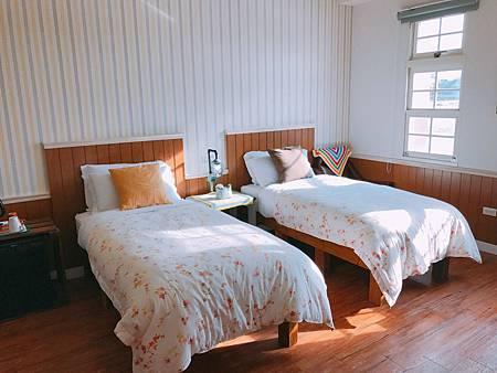 宜蘭民宿米卡洛TWIN雙單人床房000.jpg